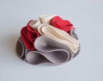 Wedding flower brooch - Red textile brooch - Extravagant fabric brooch - Bohemian dress brooch - Exclusive brooch - Bridesmaid dress decor