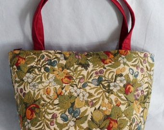 Handbag / satchel / tote / bag / purse in tapestry
