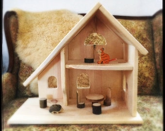 Natural pine dollhouse