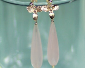 Quartz pink and gold earrings 14 k flower