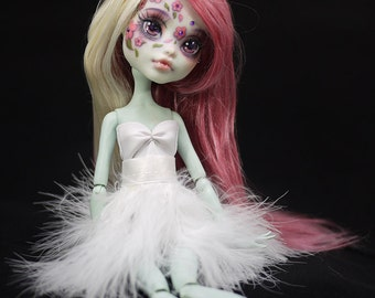 OOAK Monster High Ever After Commission Faceup Repaint