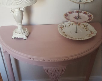Shabby chic half moon table in Antoinette pink