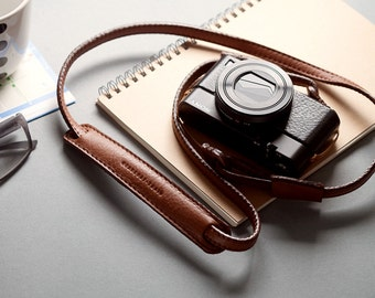 Personalized : Brown leather camera strap neck handmade for mirrorless camera compact camera, adjustable length.