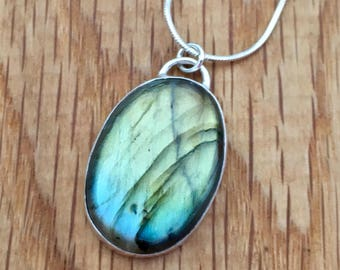 Large Labradorite pendant, Handmade labradorite and sterling silver pendant, green and blue flash pendant, Labradorite, Oval pendant