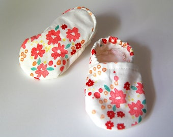 Handmade Spring/Summer Red and Pink Flower Baby Soft Shoes/Slippers - 100% Organic Cotton - Tread, No Slip Sole Option (booties, shoes)