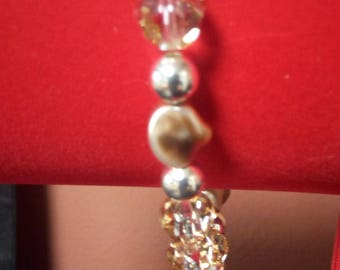 2 bracelets genuine Swarvoski pearls and glass beads, shipping included