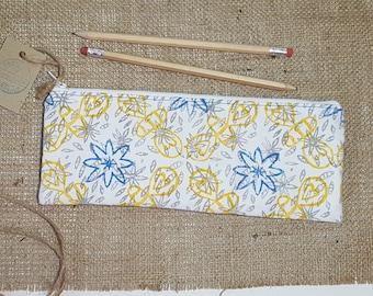 Bee Pencil Case, Pencil Case, Pencil Pouch, Pencil Holder, Pen Case, Pencil Bag, Zip Pouch, Zipper Pouch, Make up Bag, Fabric Pencil Case