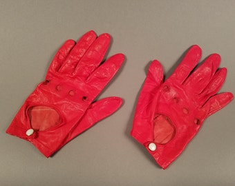 1950's Vintage Red Leather Driving Gloves, Red Gloves with Button Closures, Fashion Gloves