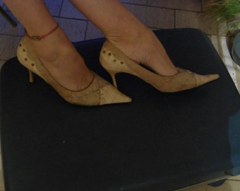 Very elegant shoes, leather and suede Very elegant low-fronted shoes, leather and deer