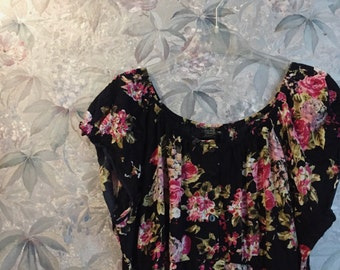 Floral oversized off the shoulders dress with buttons