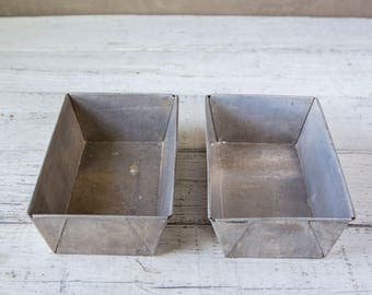 2 Vintage and Weathered Bread Loaf Pan-Food Photography Props