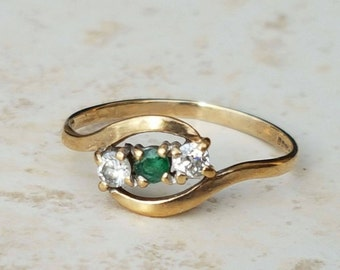 Emerald Bypass Ring 9ct Gold