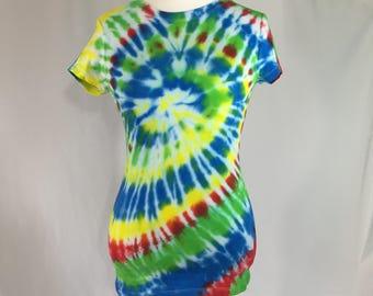 Tie dye spiral  scoop neck t shirt size L