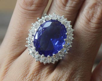 Engagement ring Kate Middleton ring and Prince William blue gemstone jewelry