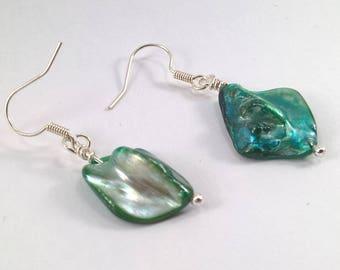 Green shell earrings, shell earrings, diamond shell earrings, green earrings, earrings, shiney green earrings,