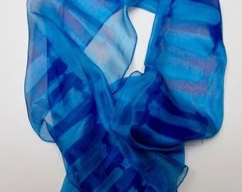 Shawl with transparant geometric design silk 42 x 175 cm.