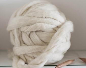 1 KG (2.2 lbs)! Super bulky yarn, natural wool, DIY Arm knitting, Jumbo yarn, Chunky yarn, Giant blanket knitting, Felting, Roving