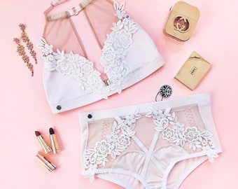 Tricot Lingerie Set with floral embroidery Lolly Pop