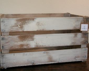Wood box ivory