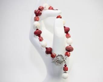 Red and White Stone Bead Beaded Bracelet. Handmade Jewelry.