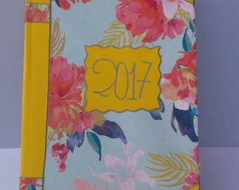 2017 calendar/Agenda decorated/In Italian/flowers/Organizer/weekly/monthly/Scrapbooking/Calendar decorated with floral and lace