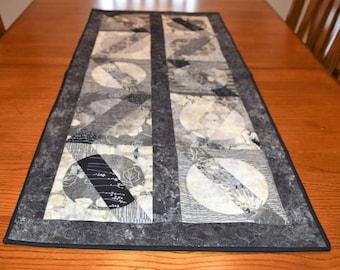 Moon Shadow Table Runner Black & White Modern,Geometric