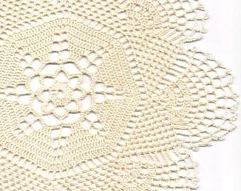 Crochet Doily Lace doilies Table decoration Crocheted Doilies Centrepiece Hand Made Wedding Doily Napkin Boho Bohemian Decor Round Cream