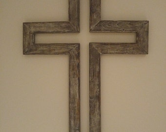 RUSTIC CROSS DECOR