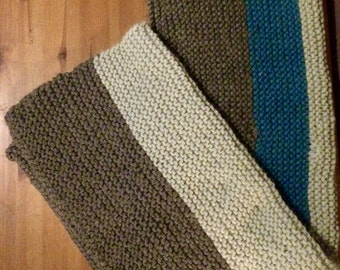 Chunky knitted baby blanket