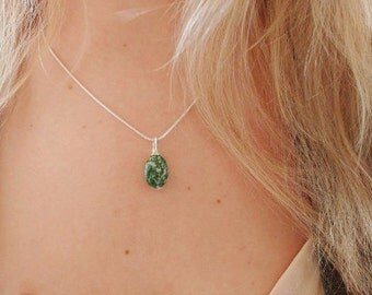 Green Spot Stone Sterling Silver Necklace