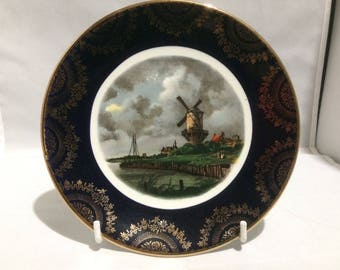 Weatherby  collectors plate , dutch scene of a windmill , fine bone china , porcelain , wall decoration , gilding pattern around the edge