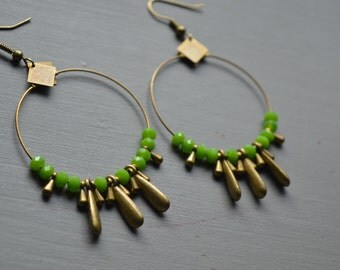 Creole earrings green beads and drops bronze metal