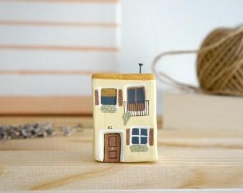 Miniature clay house / Little house / Figurine clay