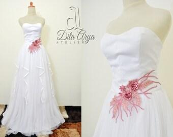 Exquisite Sweetheart Neckline Wedding Dresses, Strapless Wedding Dresses, White Dress