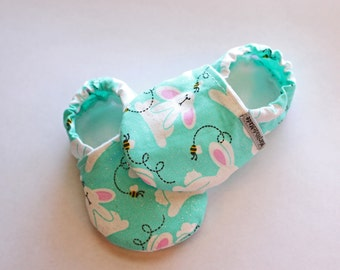 Easter Bunny Baby Shoes, crib shoes, baby moccasins, infant shoes, handmade, soft soled baby shoes