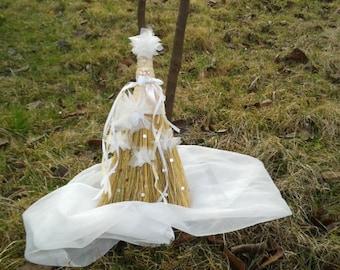 Wedding Broom,Rustic Wedding Broom,Bridal Broom,White Broom,White Pearls,Wedding, Ceremony, Wedding Accessories,Traditional Wedding
