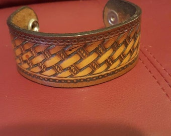 8 Inch Leather Cuff with basket weave
