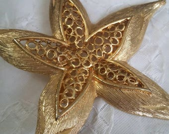 RESERVEDMSJBeautiful Starfish or Flower? Brushed gold with detail and filigree brooch