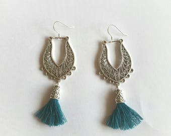 Ethnic earrings in silvery metal and PomPoms in cotton, 925 Silver hooks