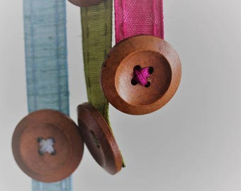 Ribbon Bookmark - stretchy bookmark - adjustable bookmark - button bookmark - buttons and ribbon