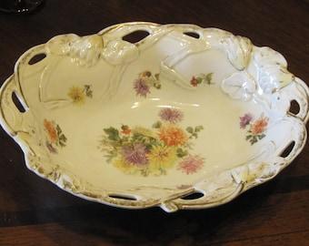 Vin. Large Ornate Serving Bowl