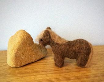 Peerie pony, needle felted Shetland pony