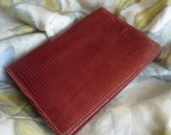 Beautiful red Lizard wallet new old stock from the 70 'S