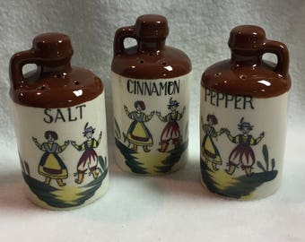 Salt and Pepper and Cinnamon - Jugs with Dancing Figures (#037)