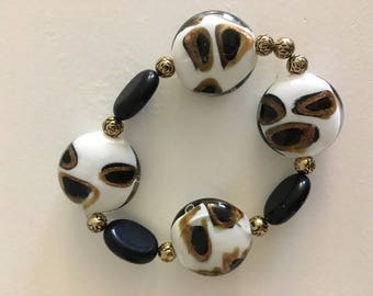 Black and White Stretch Bracelet