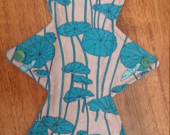"11"" lilypad cloth pad"