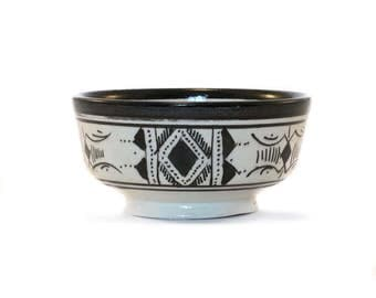 Atlas Bowl, Black