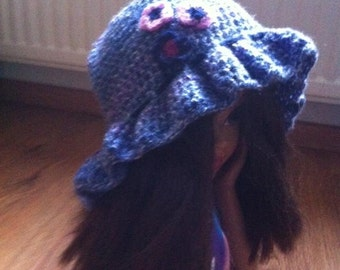 Girls hat with flowers, baby hat with flowers