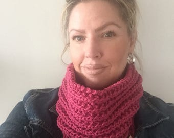 The Ribbed Infinity Cowl in Fuschia