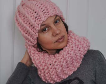 Snood made with merino wool